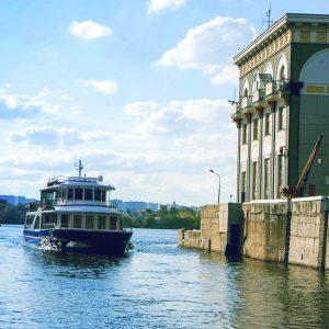 Аренда яхты для круиза «Две столицы»