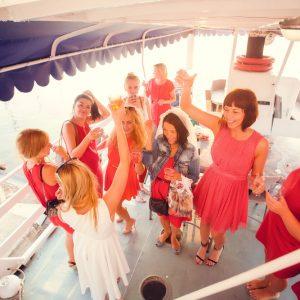 Аренда яхты на девичник от собственника