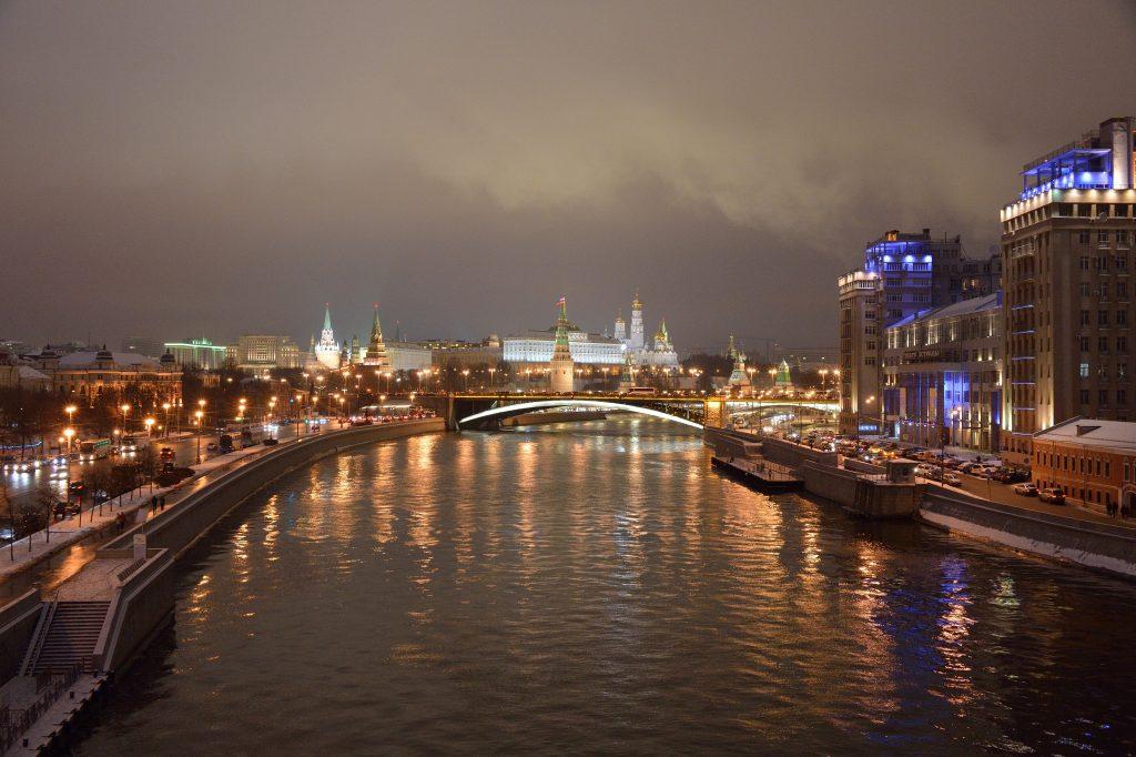 moskva-reka-moskva-rossiya-moskovskiy-kreml-0p07